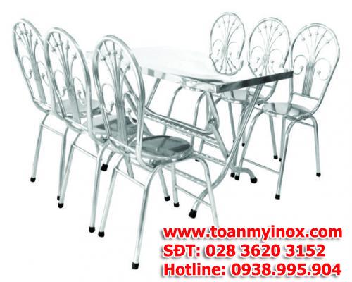 http://toanmyinox.com/img_data/images/ban-ghe-inox-gia-re%20(4).jpg